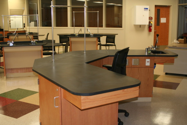 Photo of Avon High School Science Lab